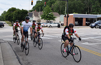 bicyclists in the city of Kent